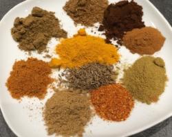 Epices servant de base à la confection du jus tandoori