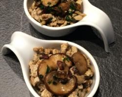 Boeuf sauté aux champignons/aïl/persil/soja