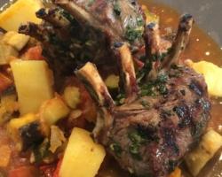 Couronne d'agneau grillée, ratatouille provençale