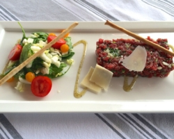 Tartare à l'italienne (boeuf/huile de truffe/roquette)