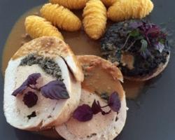 Roulade de faisan, mousseline de volaille au foie gras, duxelles de champignons