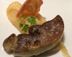 Foie gras d'oie poelé / compote de coing