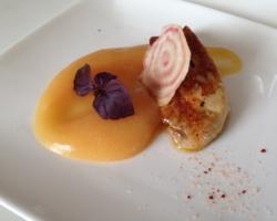 Foie Gras poêlé au sel et piment d'Espelette, coing